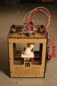 320px-makerbot_thingomatic_bre_pettis